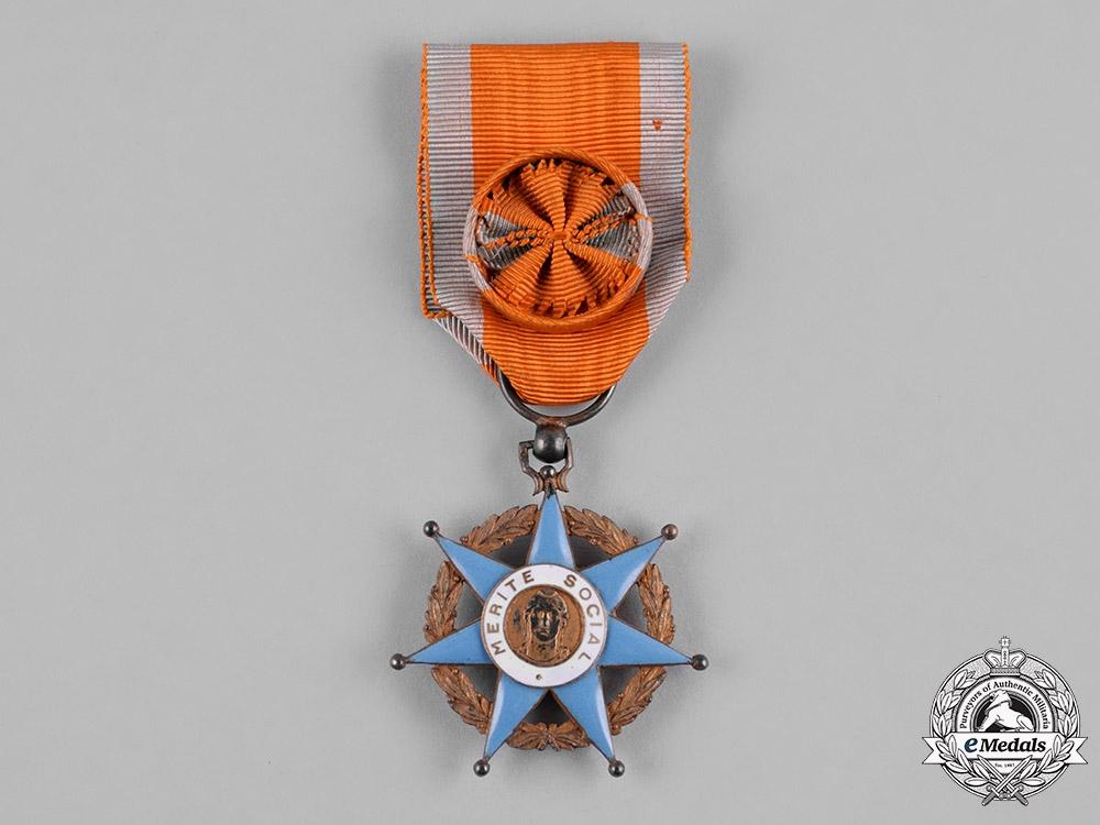 eMedals-France, III Republic. An Order of Social Merit, II Class Officer, c.1950