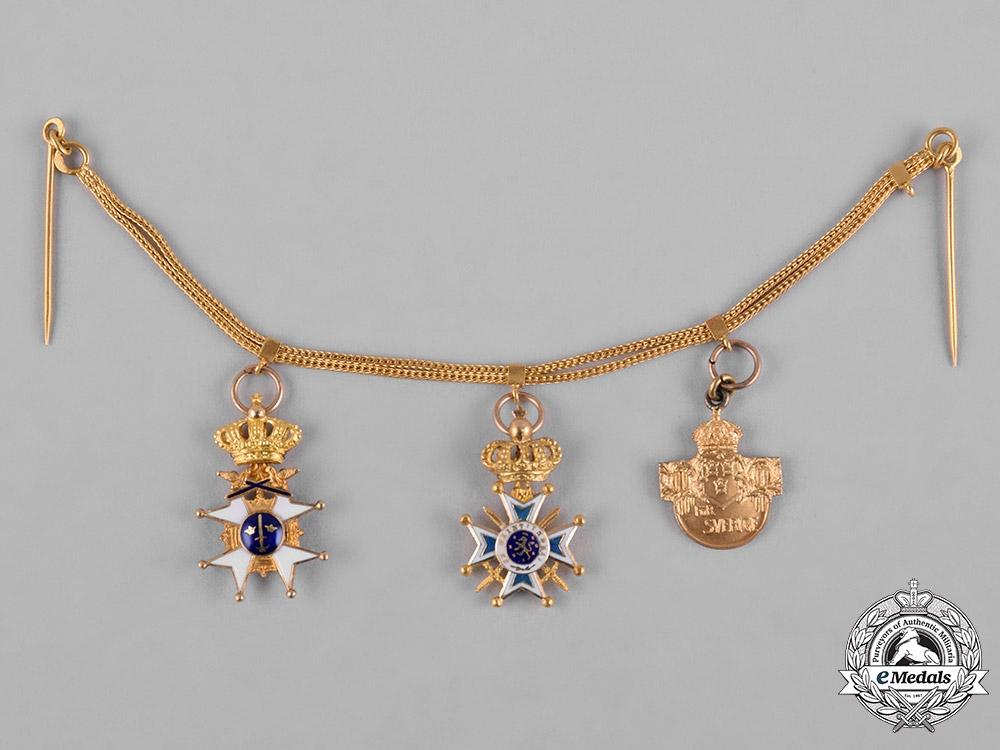 eMedals-Sweden, Kingdom. A Fine Gold Miniature Military Award Chain, c.1925
