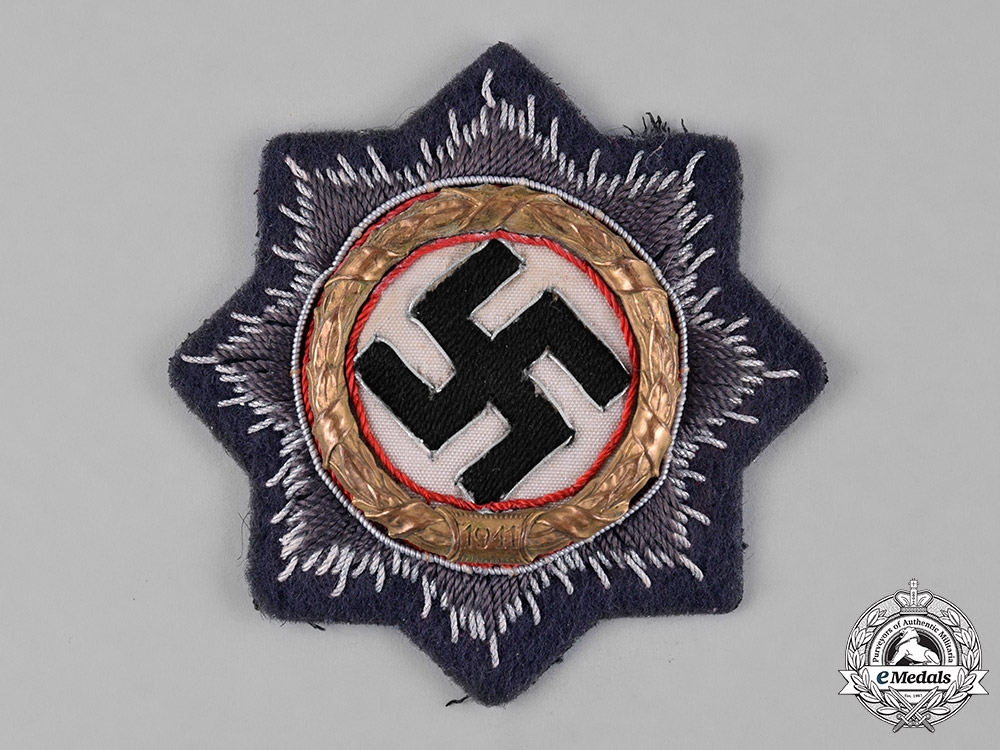 eMedals-Germany, Wehrmacht. A Luftwaffe German Cross in Gold, Cloth Version