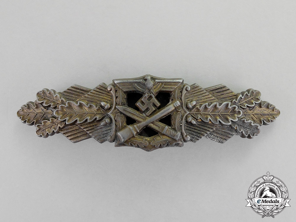 eMedals- Germany. A Bronze Grade Close Combat Clasp by Friedrich Linden