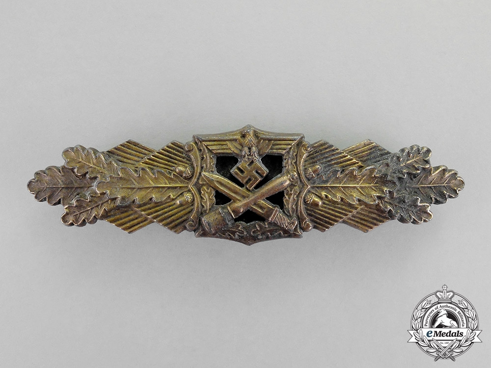 eMedals-Germany. A Bronze Grade Close Combat Clasp by A.G.M & K, Large Font, Type I