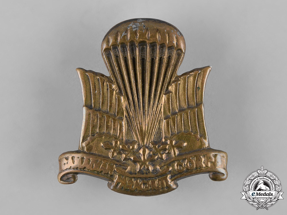 eMedals-Canada, Commonwealth. A Canadian Parachute Corps Cap Badge