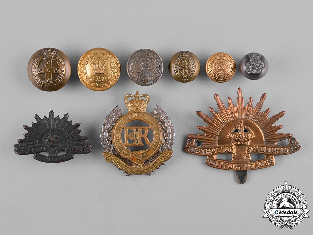 eMedals-Australia. A Lot of Nine Cap Badges and Buttons