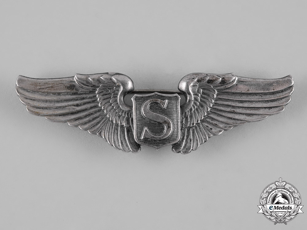 eMedals-United States. A Second War Army Air Forces Service Pilot Badge