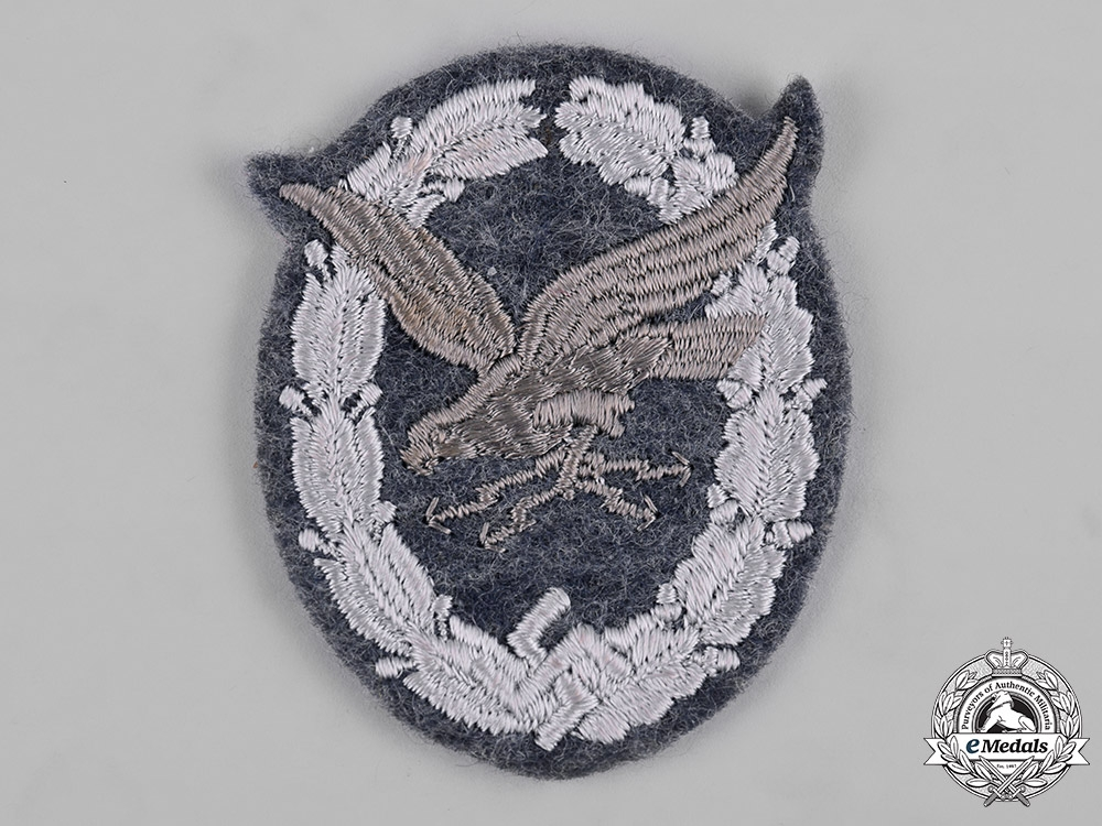 eMedals-Germany, Luftwaffe. A Radio Operator Badge, Cloth Version