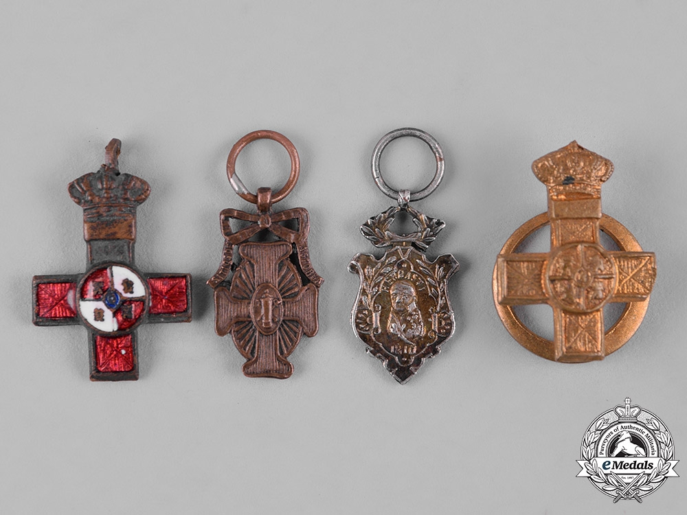eMedals-Spain, Kingdom. A Lot of Four Miniatures Decorations