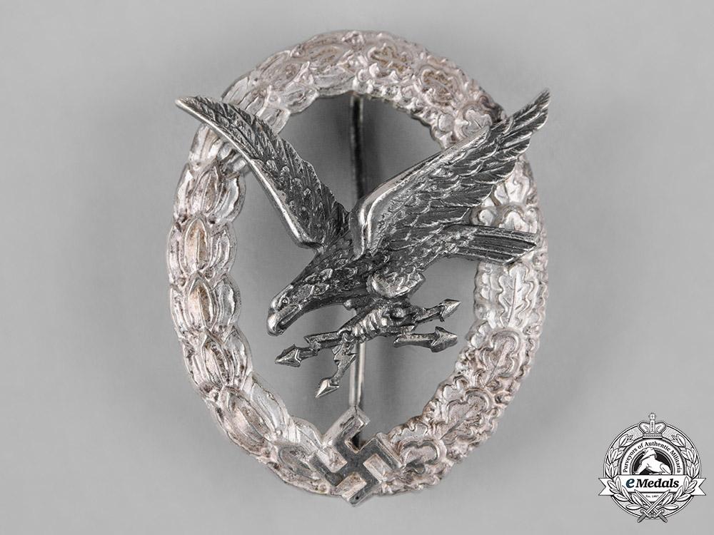 eMedals-Germany, Luftwaffe. A Radio Operator Badge by F.W. Assmann & Söhne