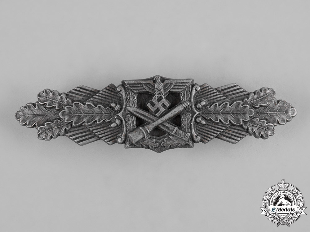 eMedals-Germany, Wehrmacht. A Close Combat Clasp, Silver Grade, by Friedrich Linden