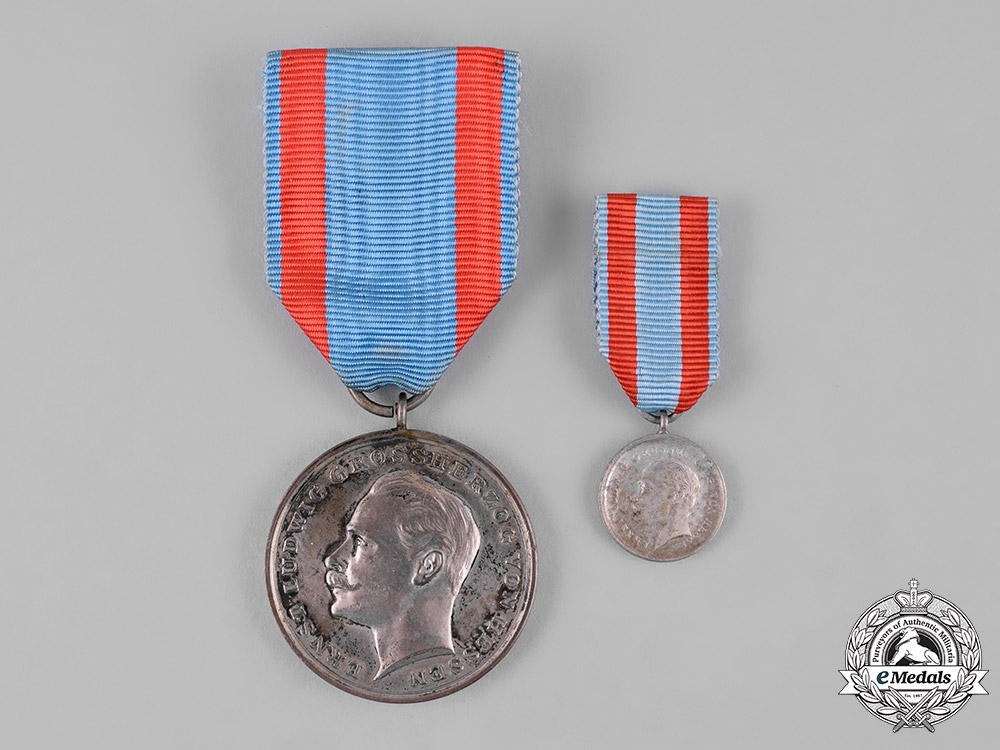 eMedals-Hesse-Darmstadt, Grand Duchy. A General Honour Decoration for Bravery with Miniature
