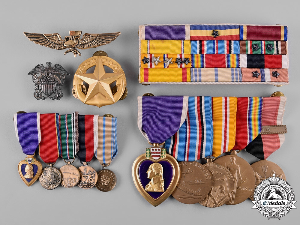 eMedals-United States. A Lot of Second War Period United States Navy Awards & Insignia
