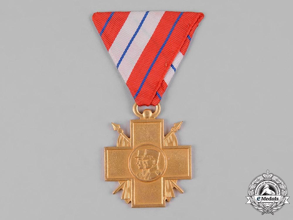 eMedals-Yugoslavia, Kingdom. An Invalids of War Commemorative Cross, Gold Grade for Officers
