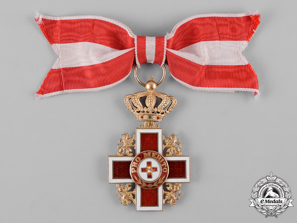 eMedals-Netherlands, Kingdom. A Cross of Merit of the Red Cross, c.1918