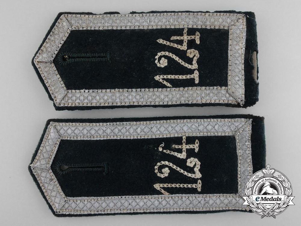 eMedals-An Early Pair of German Army Infantry Shoulder Straps; Unteroffizier 124th Regiment