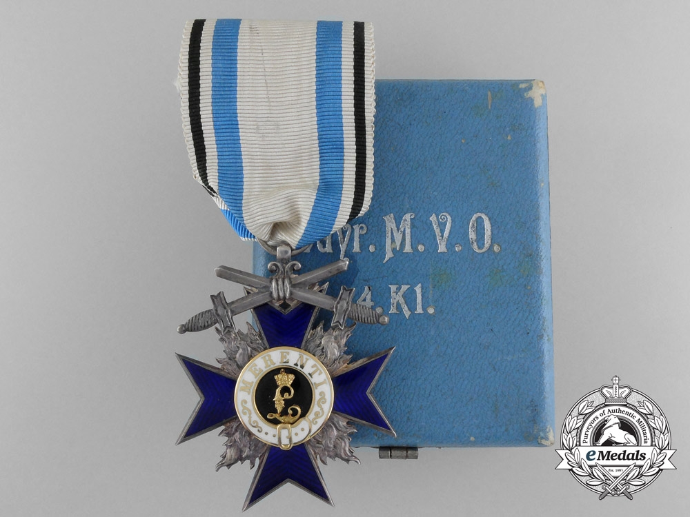 eMedals-A Fine Bavarian Military Merit Order; 4th Class with Case by Gebrüder Hemmerle