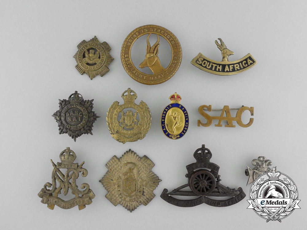 eMedals-A Lot of Eleven South African Uniform Badges and Pins
