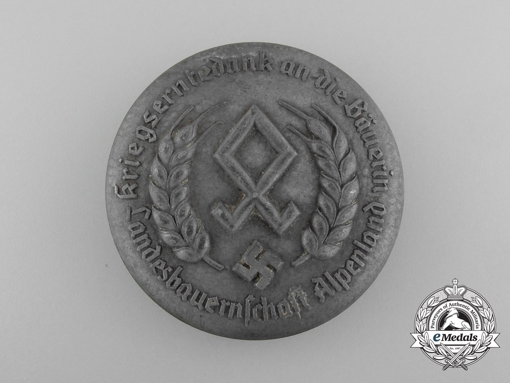 eMedals-A Reichsnährstand Wartime Harvest Appreciation Female Farmers Badge