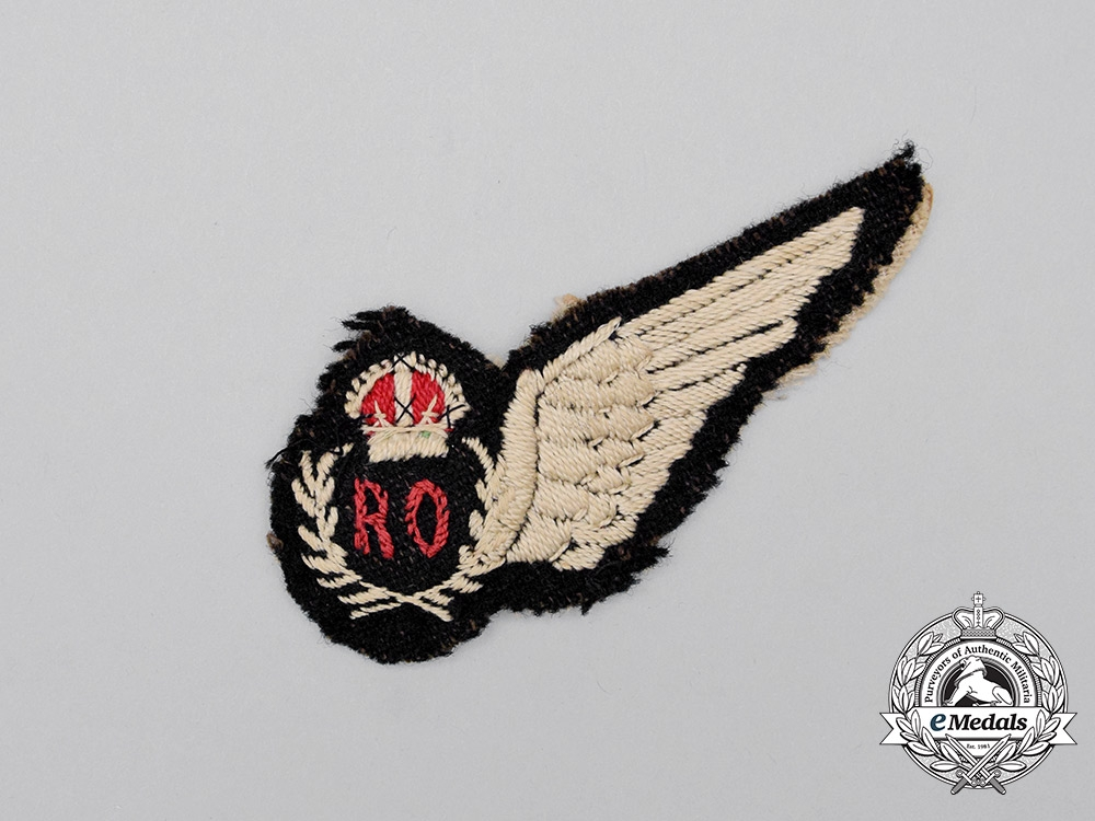 eMedals-A Second War South African Air Force (SAAF) Radio Operator (RO) Half Wing