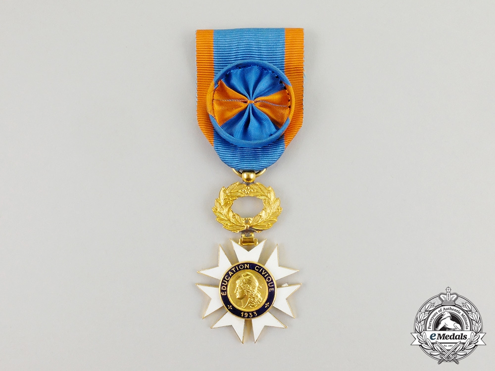 eMedals-France, III Republic. A Medal for Civic Education, Officer
