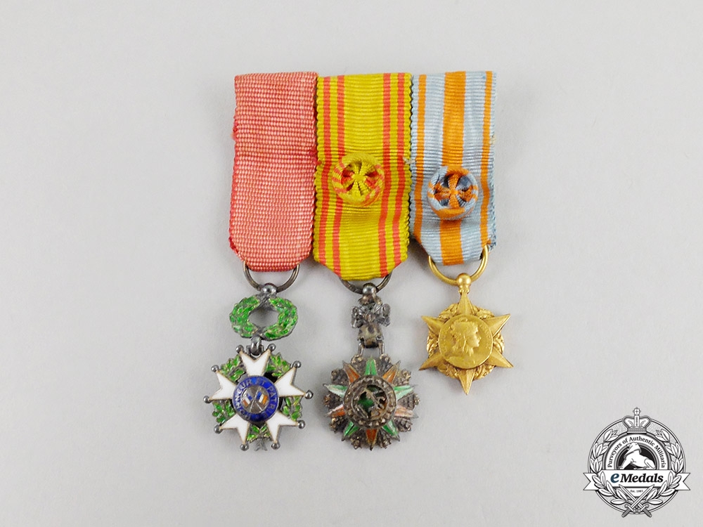 eMedals-France, Republic. A Tunisian Order of Glory Miniature Group