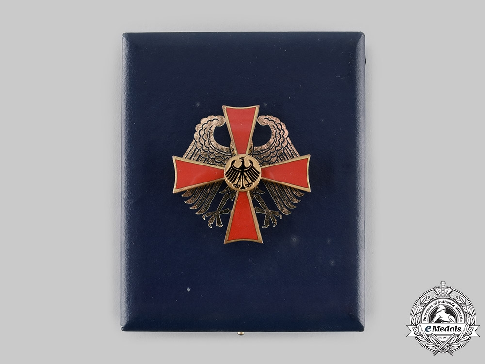 eMedals-Germany, Federal Republic. An Order of Merit, I Class Officer with Case