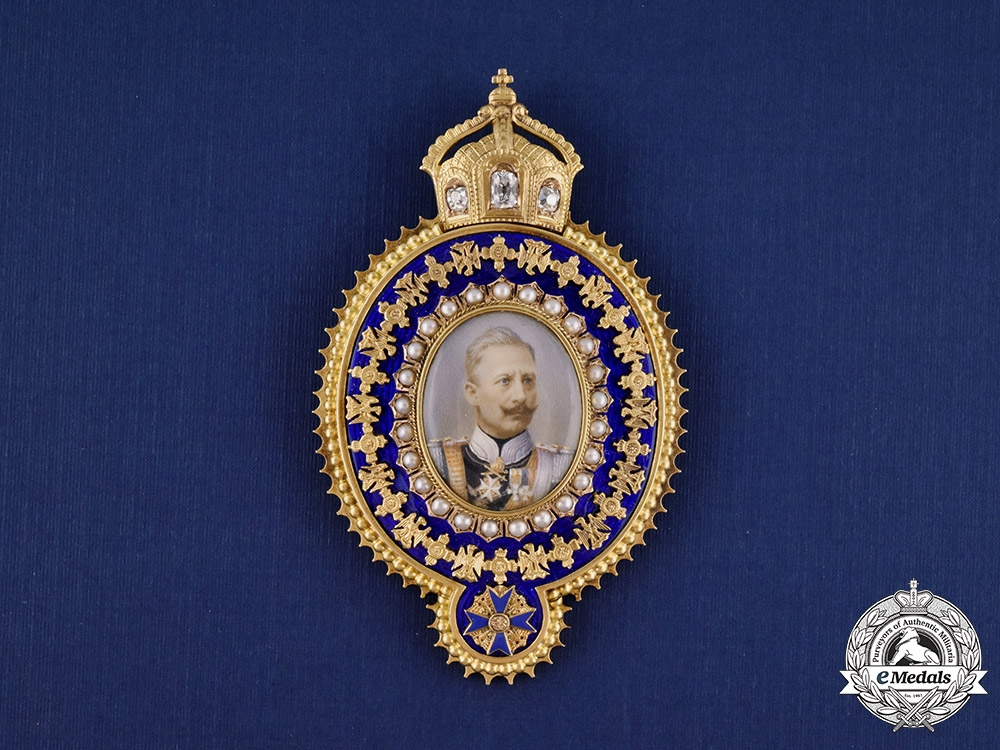 eMedals-Prussia, Kingdom. A Family Order of Wilhelm II Portrait in Gold, Diamonds and Pearls, c. 1910