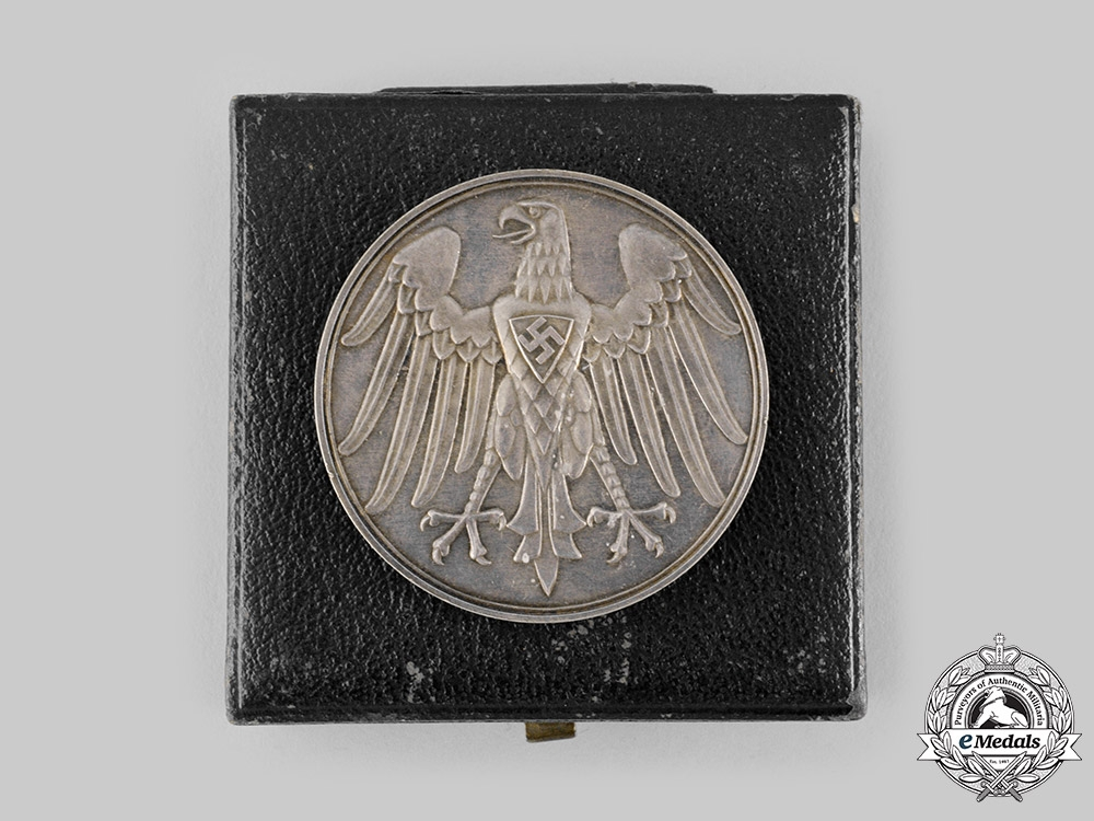 eMedals-Germany. A Life Saving Honour Medal in its Case of Issue
