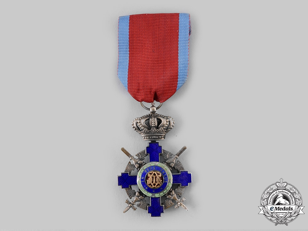 eMedals-Romania, Kingdom. An Order of the Star of Romania, V Class Knight, Military Division, c.1940
