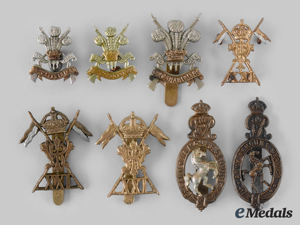 eMedals-United Kingdom. A Lot of Eight British Army Badges