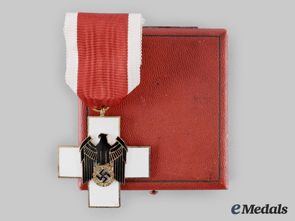 eMedals-Germany, Third Reich. A Social Welfare Decoration, III Class with Case, by Gebrüder Godet