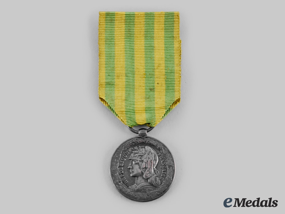 eMedals-France, III Republic. A Tonkin Expedition Commemorative Medal for the Army 1885