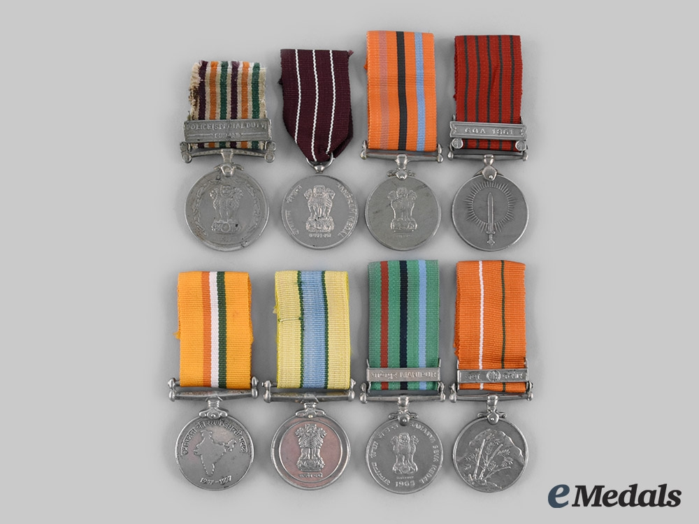 eMedals-India, Republic. A Lot of Eight Medals
