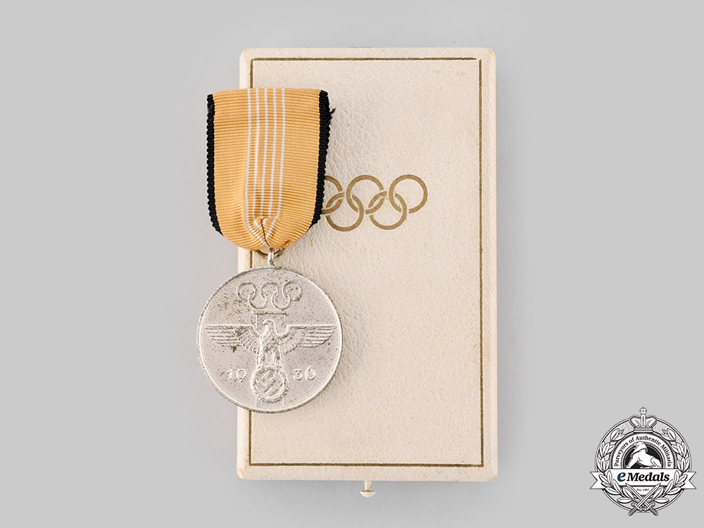 eMedals-Germany, Third Reich. A German Olympic Commemorative Medal with Case