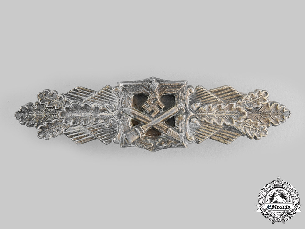 eMedals-Germany, Wehrmacht. A Close Combat Clasp, Bronze Grade, by Friedrich Linden