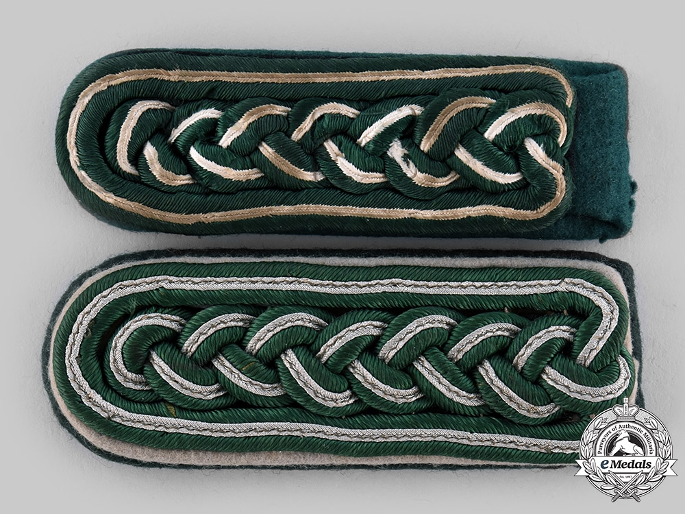 eMedals-Germany, Wehrmacht. A Pair of Shoulder Boards