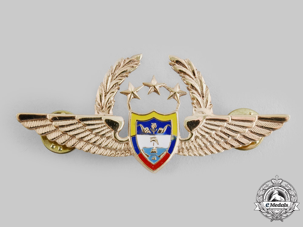 eMedals-Colombia. Republic. An Air Force Pilot Badge with Three Stars and Wreath (General Officer)