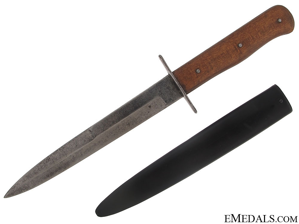 eMedals-Close Combat Fighting Knife