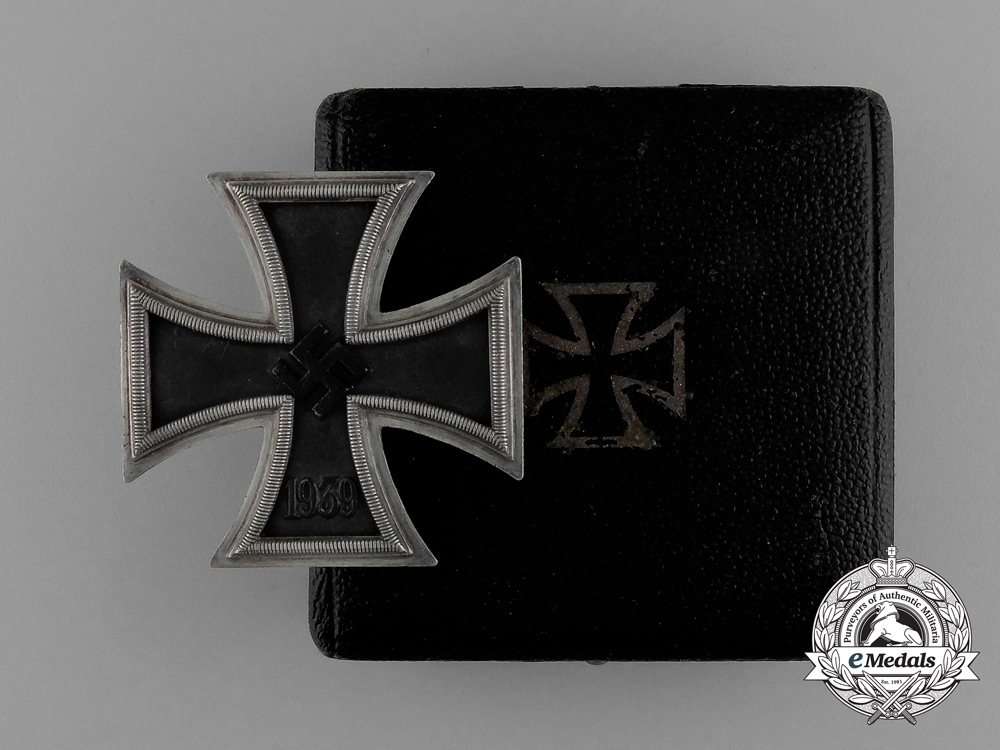 eMedals-A Iron Cross 1939 First Class in its Original Case of Issue