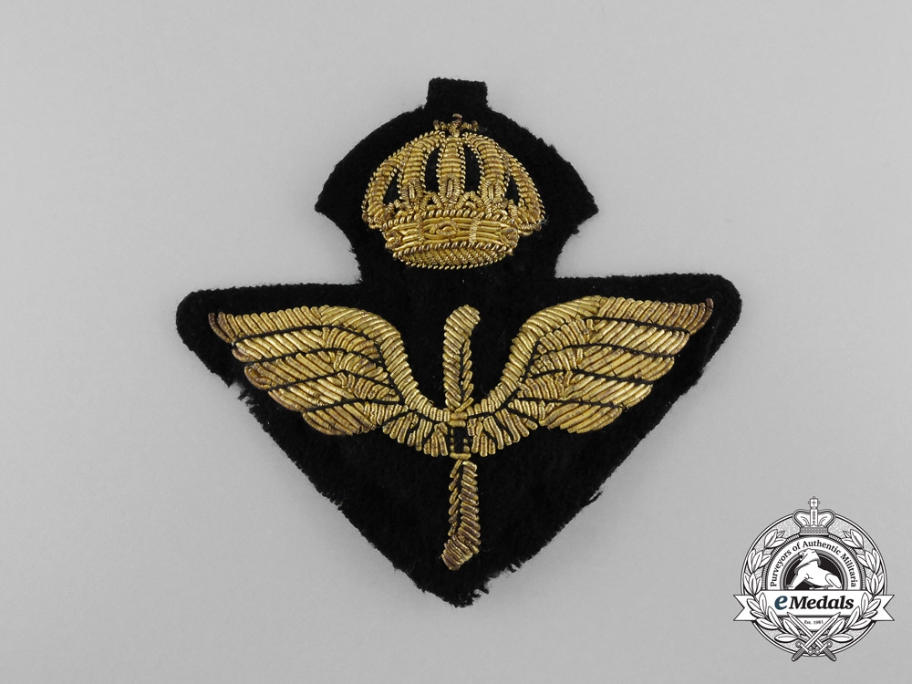 eMedals-A Swedish Air Force Officer's Cap Badge