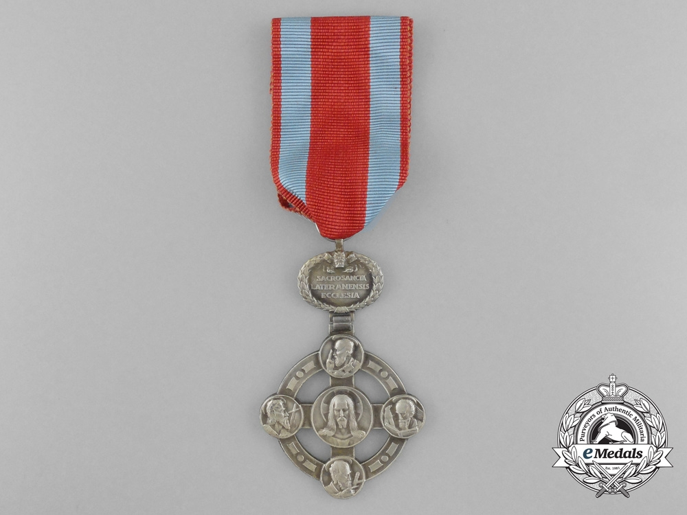 eMedals-Papal Lateran Cross - Silver Grade