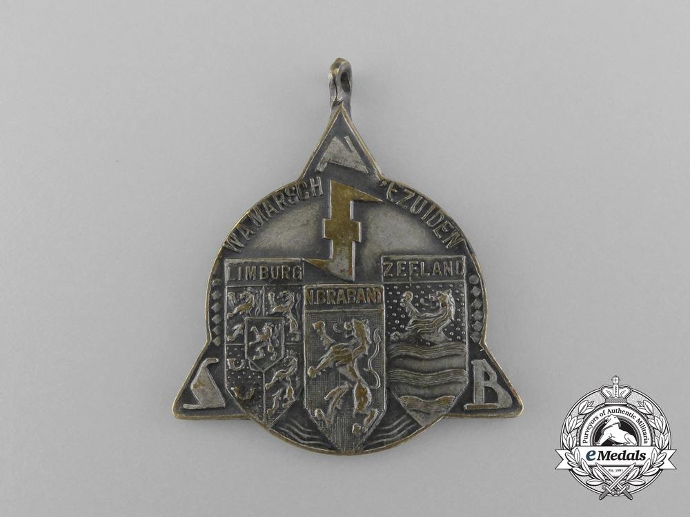 eMedals-A 1942 Dutch National Socialist Movement Medal