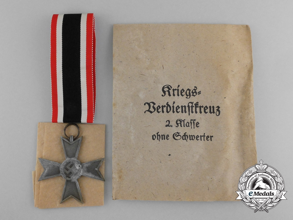 eMedals-A War Merit Cross Second Class (Kriegsverdienstkreuz 2. Klasse ohne Schwerter); in bronze; with original unworn ribbon and packet of issue and paper wrappings; ribbon is vertically striped red-white-black-white red; measuring 47 mm x 48 mm; ribbon in mint