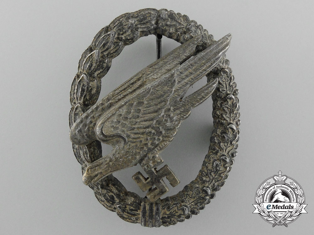 eMedals-Germany. A Luftwaffe Paratrooper Badge by G.H. Osang, Dresden, Type B