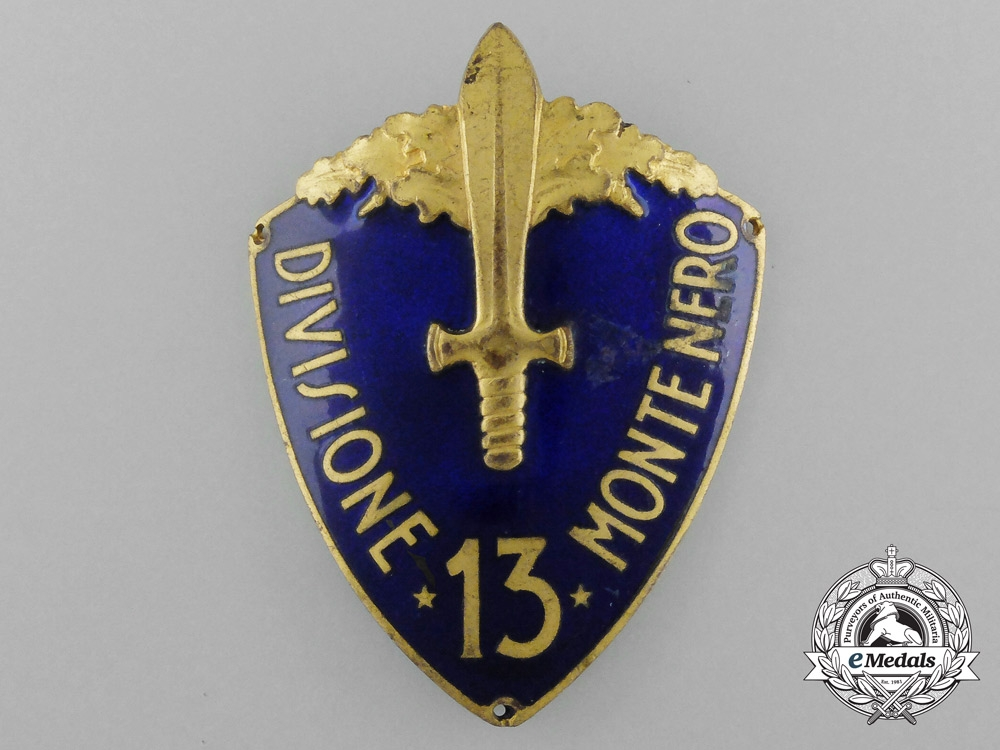 "eMedals-An Italian 13th Black Mountain Infantry Division (13ª Divisione fanteria ""Monte Nero"") Sleeve Shield 1934-1939"