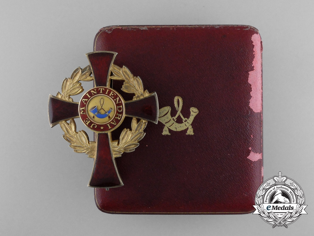 eMedals-A Family Order of Orange Officer's Cross, Type II (1908-1969) with Case