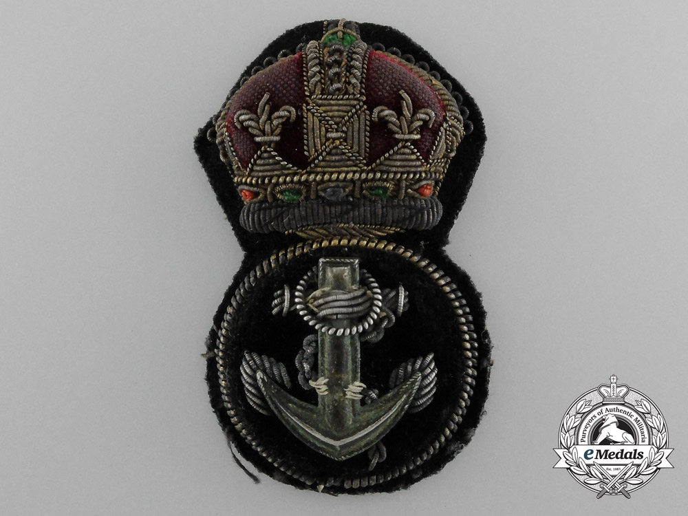 eMedals-A Royal Navy Petty Officer's Cap Badge