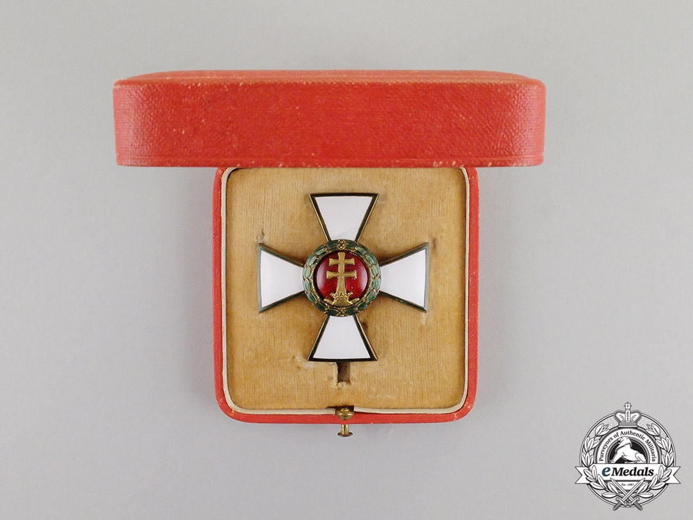 eMedals- Hungary. An Order of Merit, Officer's Cross, in Case of Issue