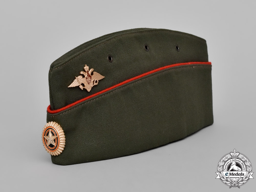 eMedals-Russia, Federation. A Pilotka Field Service Type Cap with VDV Eagle (Airborne) & Marines Badge