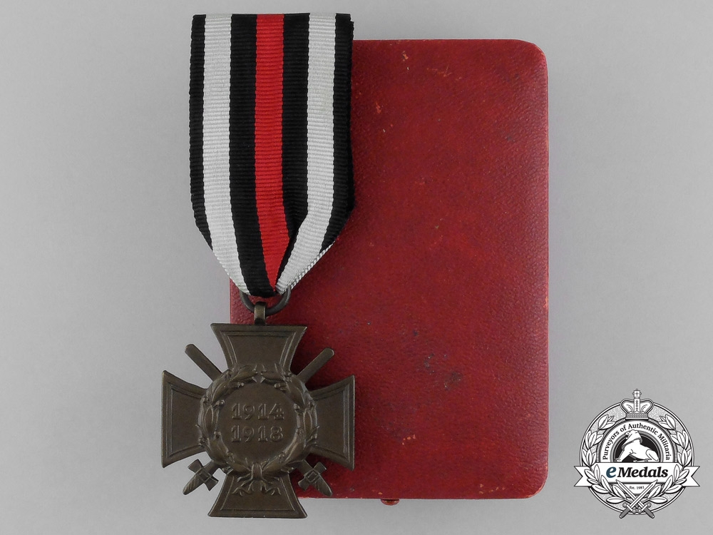 eMedals-Germany, Imperial. An Honour Cross of the World War with Swords (1914-18), by Paul Küst of Berlin with Case