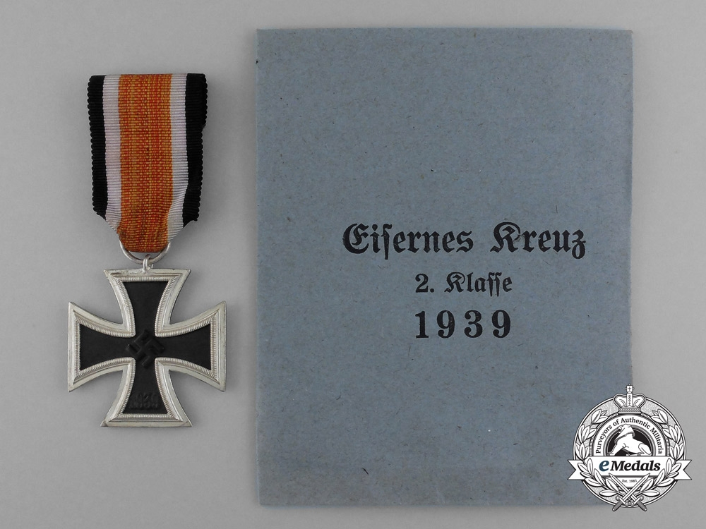 eMedals-A Mint Iron Cross 1939 Second Class by Scarce Maker Berg & Nolte in its Original Packet of Issue