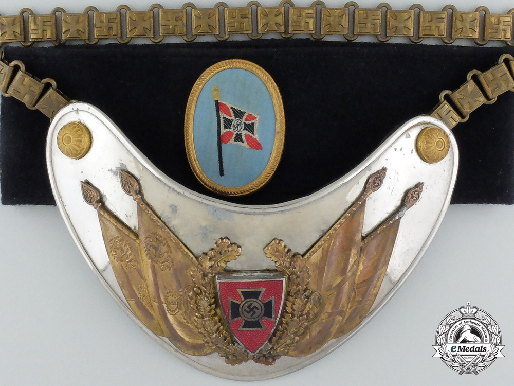 eMedals-A Second War German Veterans Gorget with Armband in Box of Issue